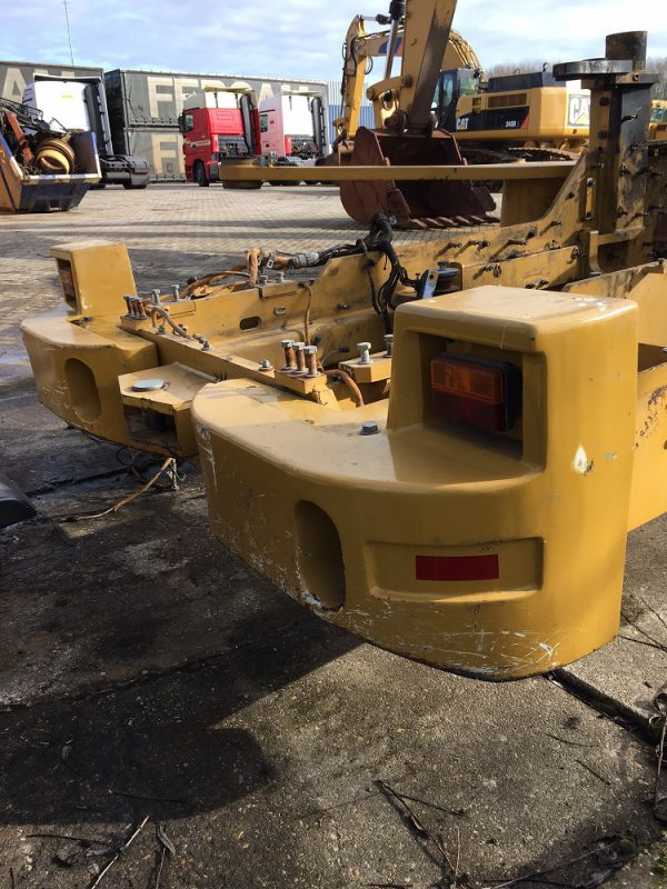 caterpillar-938H-2011-used-machinery
