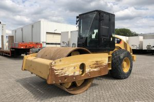 caterpillar-CS74-2012-used-machinery