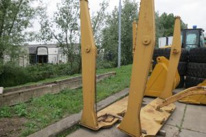 caterpillar-Tailgate CAT D 250-2000-used-machinery