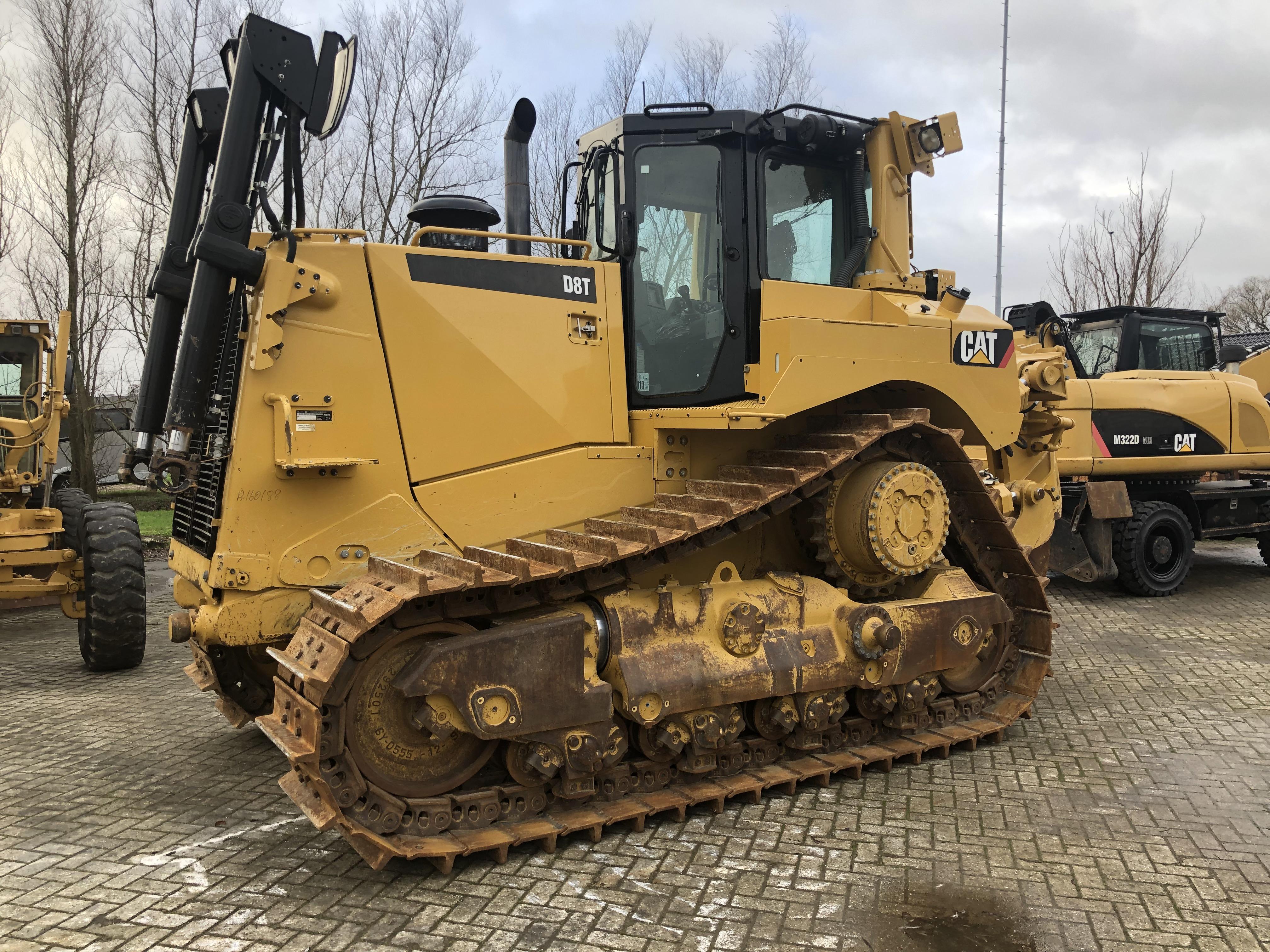 Caterpillar D8T | United Equipment